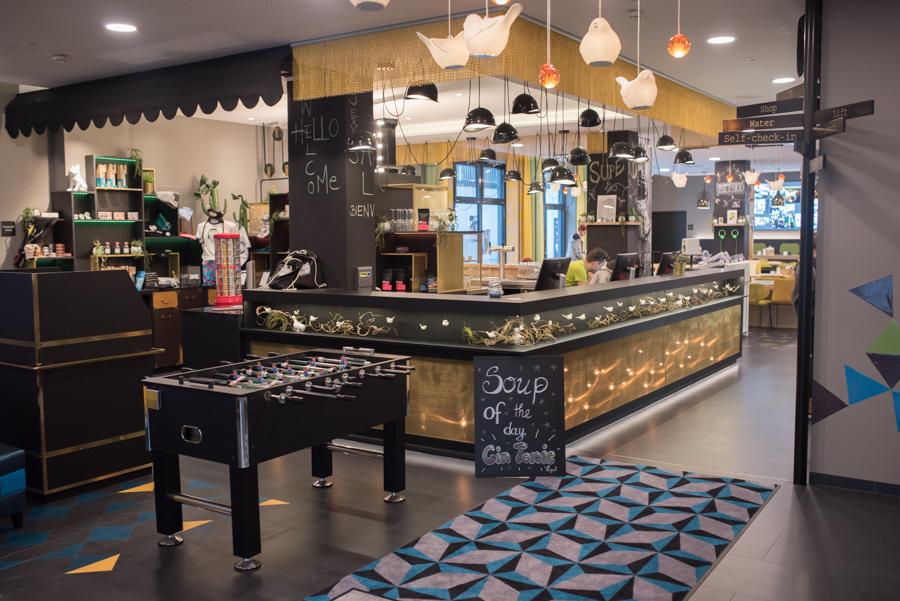 Eingangsbereich niu-Hotel Essen