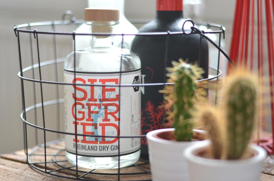 Siegfried Rheinland Dry Gin Flasche