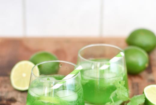 Rezept Gin mit Waldmeister und Sekt