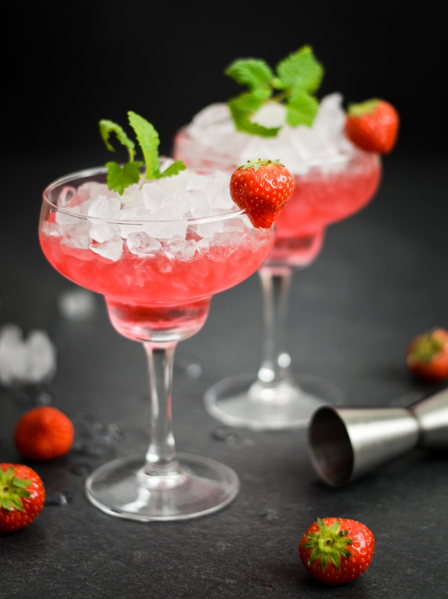 Rezept Erdbeer-Gin mit Erdbeere aus Marmelade