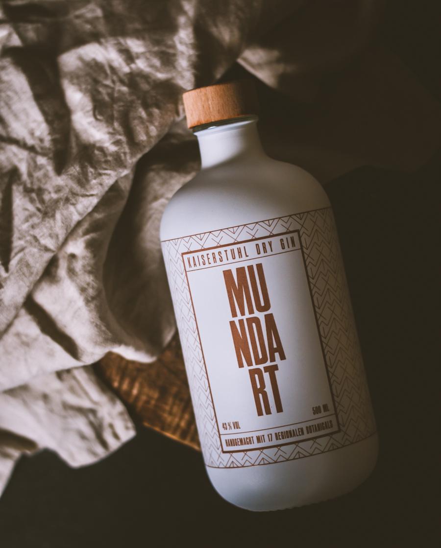 Mundart Kaiserstuhl Dry Gin Flasche
