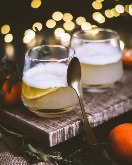 Weihnachtlicher Gin Sour Drink