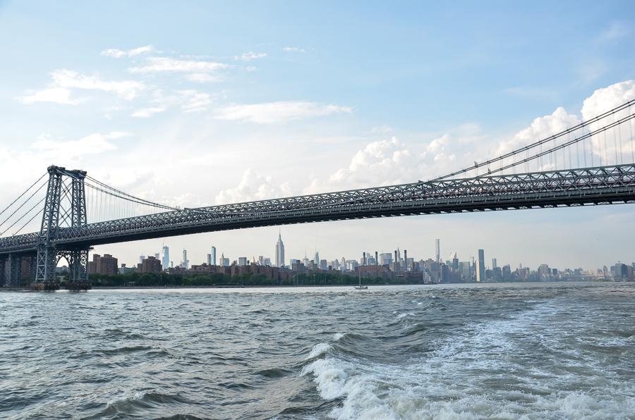 New York Ferry NYC vom Wasser aus