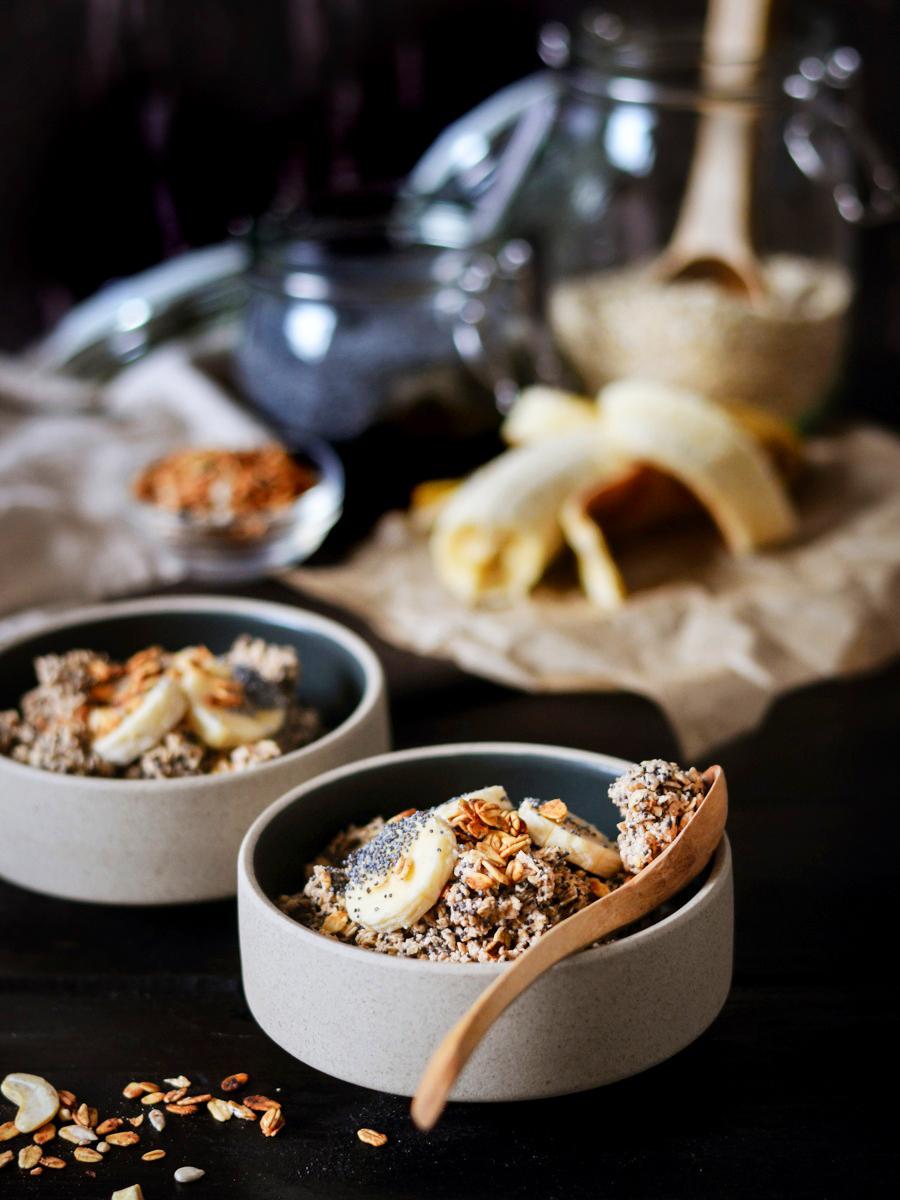 Frühstücksalternative Rezept Porridge mit Banane Zimt und Mohn