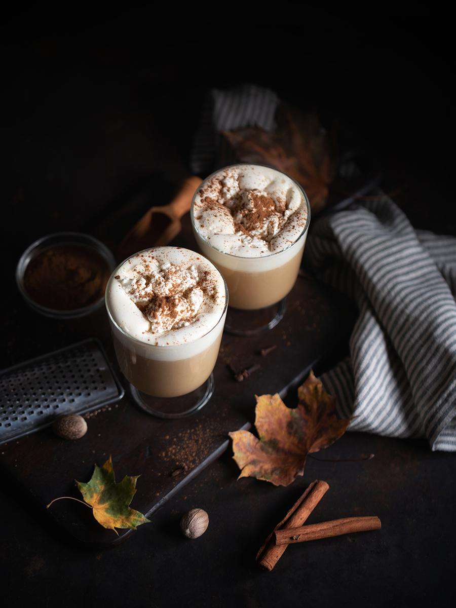 Herbst-Rezept: Pumpkin Spice Latte selber machen (vegan)
