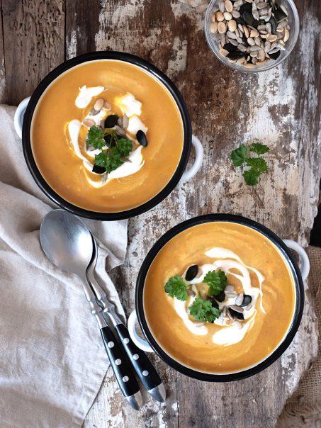Rezept Karotten-Ingwer-Suppe mit Crème Fraîche und einem Schuss Limette