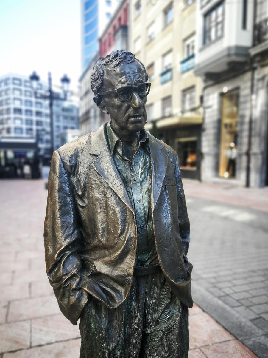 Woody-Allen-Statue in Oviedo, Asturien, Spanien